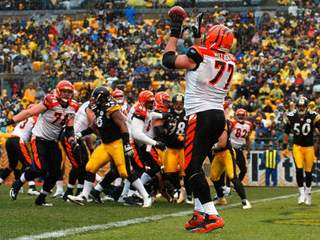 Andrew Whitworth_20110831165519_JPG