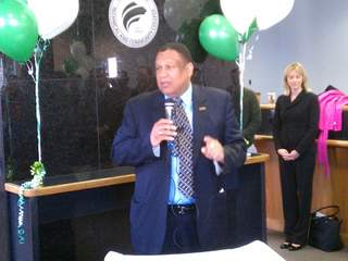 Cincy St. president gives his bonus to workers