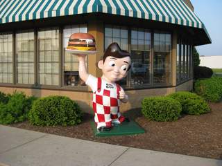 Theft case prompts earnings delay for Frisch's