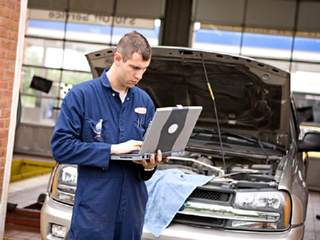 Mechanic/car repair_20120528110104_JPG