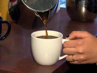 Drinking coffee_20120604094356_JPG