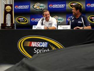 Mitch Barnhart and Michael Waltrip_20120628171606_JPG