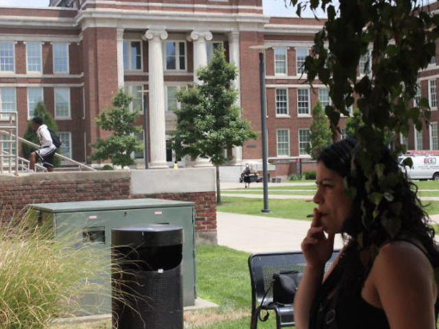 smoking on college campus essay This essay discusses smoking among college students when it comes to the issue of smoking and young people, it seems that despite numerous.