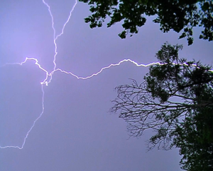 Lightning strike_20120724131841_PNG