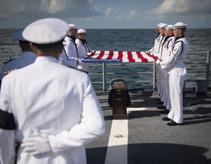 Neil Armstrong's burial at sea_20120914170221_JPG