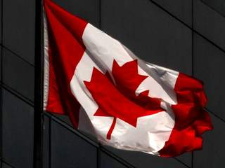 canadian_flag1_20121030100406_JPG