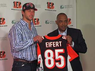 Tyler_Eifert_Press_Conference_524340000_JPG