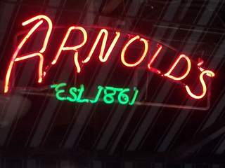 Who are the top 9 patrons of Arnold's Bar?
