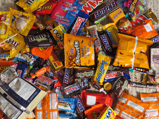 Dentists offer candy buy-back for troops