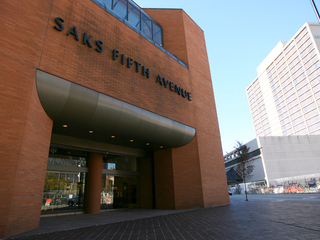 Saks Fifth Avenue to keep downtown store open