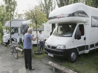 Summer scam: Fake campers for rent and for sale
