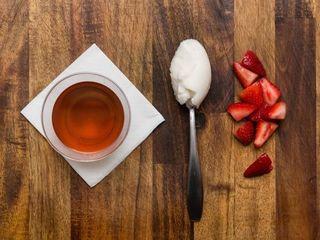 Sorbet, strawberries and tea = Mint Tea Floats
