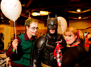Costumed fanboys flock to 2014 Cincy ComiCon