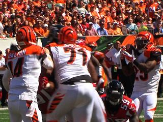 Bengals keep Dalton cool, calm and protected