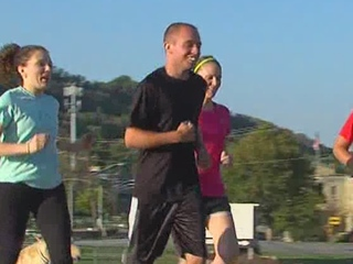 WATCH: Cerebral palsy can't keep teen from 5K