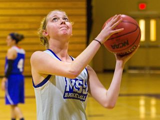 Lauren Hill fights cancer, clock