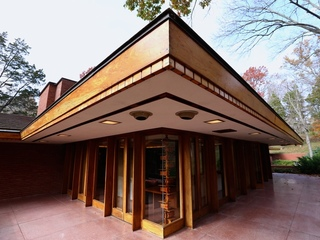 Rare tour inside Frank Lloyd Wright home