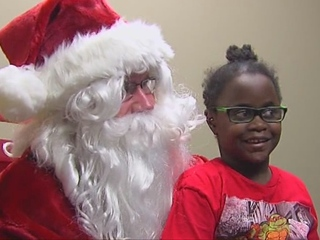 WATCH: Santa makes special visit in Tri-State