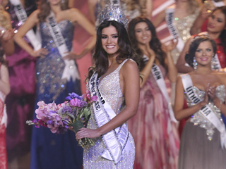 PHOTOS: Miss Colombia earns Miss Universe crown