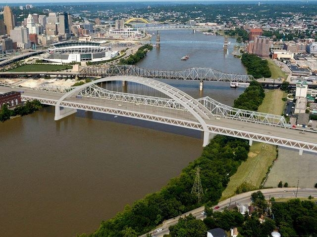 Ohio and Kentucky governors announce bridge plan