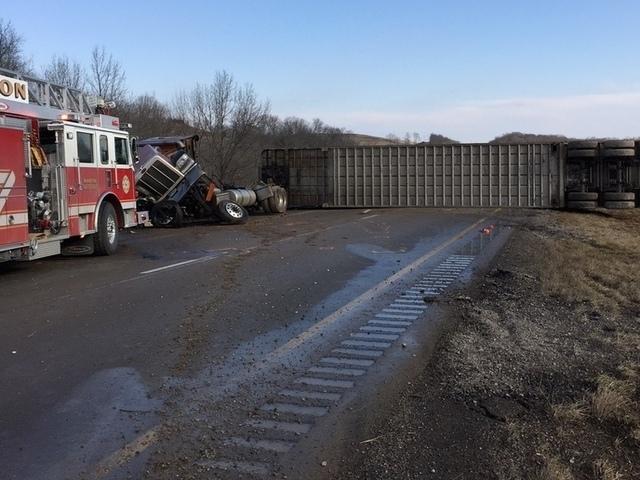 Fatal wreck closes I-71 near I-71/75 split