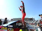 Jeff Gordon wins pole for final Daytona 500