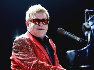Elton John kicks off tour at US Bank Arena