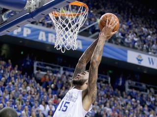 Top-ranked UK beats No. 18 Arkansas to win SEC
