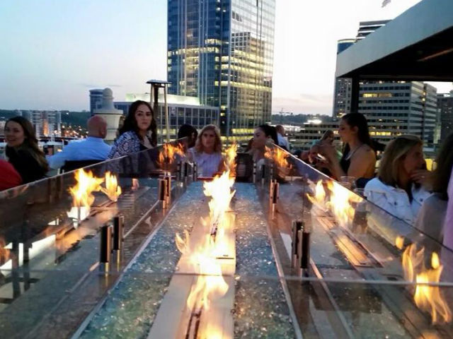 It S Perfect Weather To Eat Outside And Cincinnati Continues Up Its Outdoor Dining Want Dine Alfresco Here A List Of Restaurants Around The