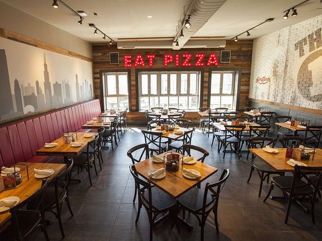 Exclusive Chicago Style Pizza Giant Giordano S Eyes Cincinnati As Expansion Market