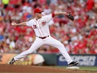 DeSclafani leads Reds to 3-2 win over Cardinals