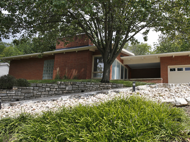 Mid century modern homes for sale in cincinnati oh home for Mid century modern house for sale