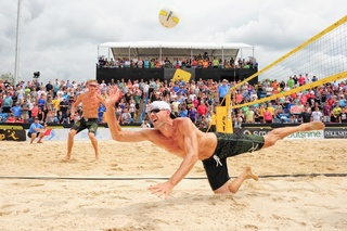 Insiders get $10 off VIP pro volleyball tourney