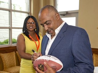 Cincinnati Bengals Celebrity Waiter Event