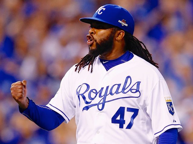 Johnny_cueto_wins_game_5_of_alds_1444930858728_25272172_ver1.0_640_480