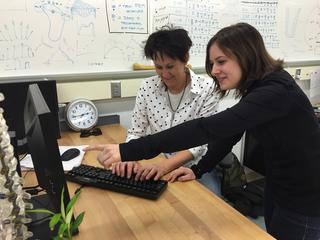 Ohio Women Testing Marijuana Breathalyzer Device – Insider – Story