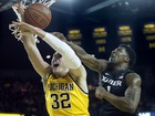 Xavier in control in 2nd half, downs Michigan