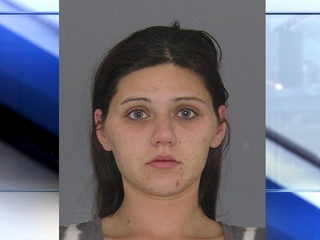Police: Young mom does heroin with child in car