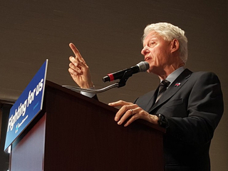 Clinton touches on economy, heroin in Cincy stop