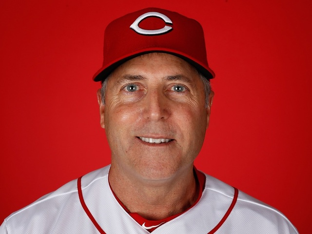 Bryan Price gets another season as Reds manager