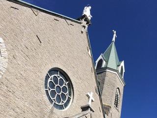 Stroke survivor returns to climb church steps