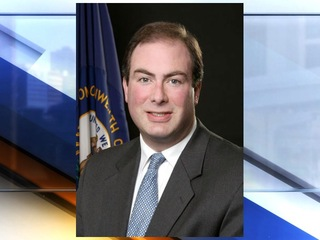 Former Ky. secretary pleads guilty to bribery