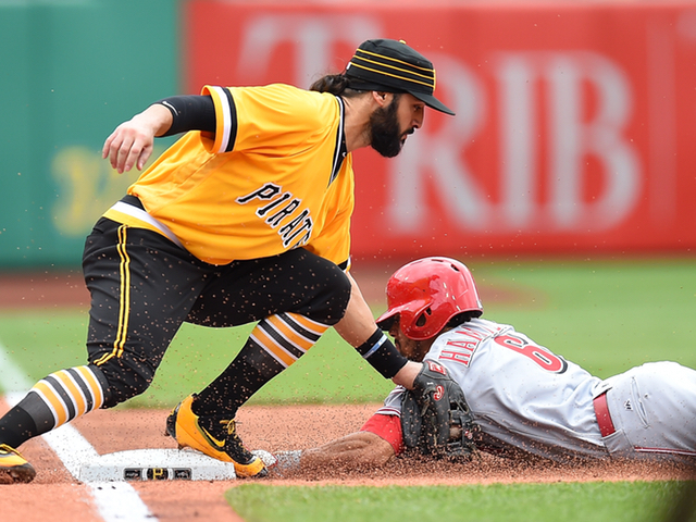 Reds end 6-game skid, beat Pirates in 11th
