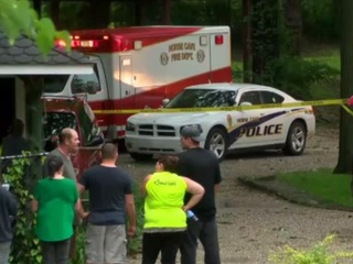 19 people trapped by rising water in Ky. cave