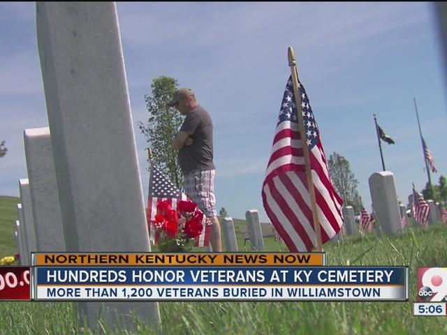 Hundreds honor veterans at Kentucky military cemetery