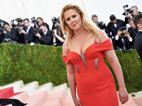 Comedian Amy Schumer brings act to NKU