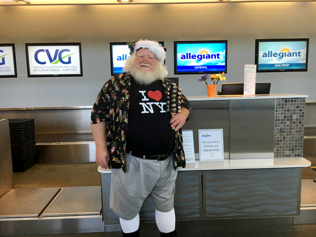 Allegiant Air gets some help from Santa
