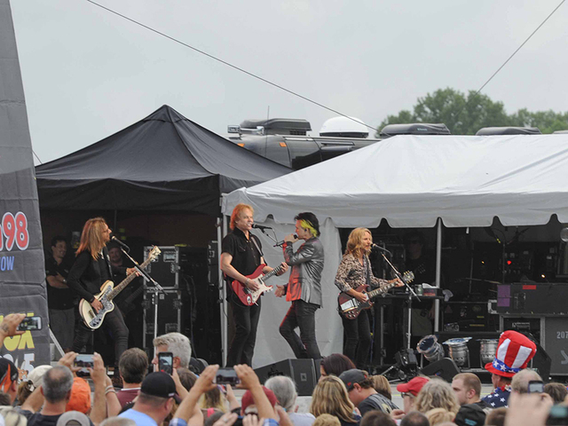 red white and blue ash 2016 entertainment