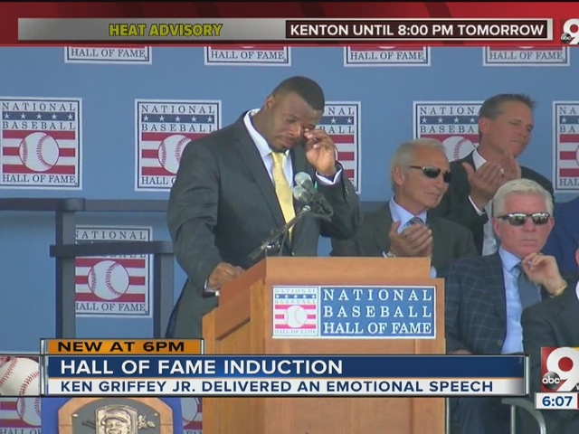 Fay: On stage at Cooperstown, Ken Griffey Jr. finally shows emotion