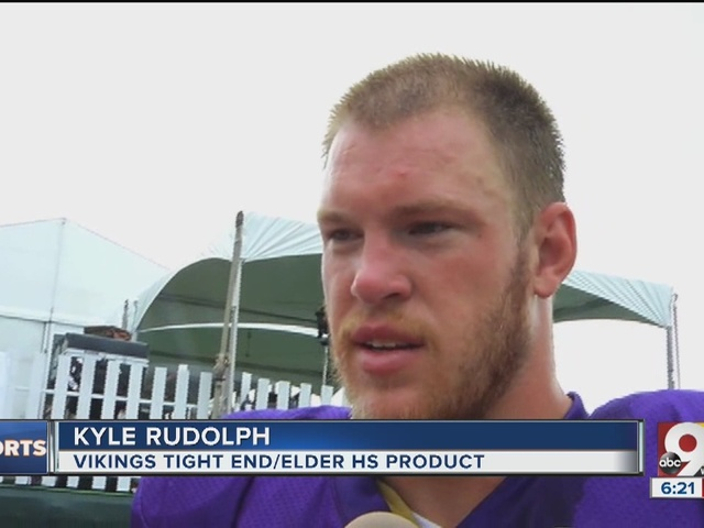 Homecoming_for_elder_s_kyle_rudolph__for_0_44018958_ver1.0_640_480